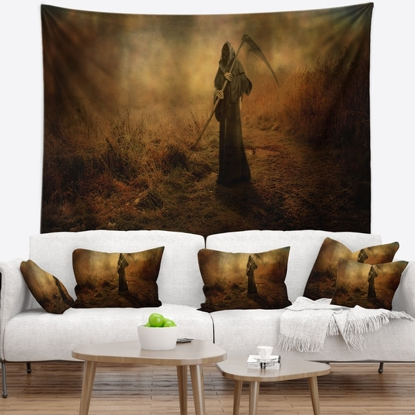 Designart 'Unexpected Death' Abstract Wall Tapestry