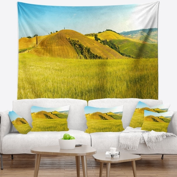 Designart 'Tuscany Wheat Field on Sunny Day' Landscape Wall Tapestry