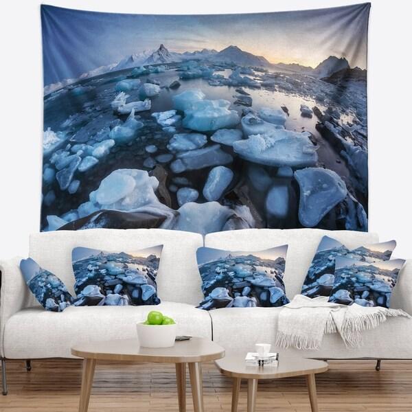 Designart 'Unusual Arctic Ice Landscape' Seashore Wall Tapestry