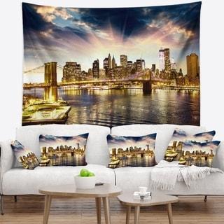 Designart 'Brooklyn Bridge and Manhattan Skyline' Cityscape Wall Tapestry