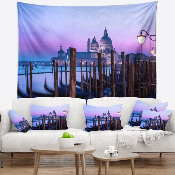 Designart 'Venice Sunset Panorama at Twilight' Seascape Wall Tapestry