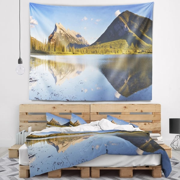 Designart 'Vermillion Lakes and Mount Rundle' Landscape Wall Tapestry