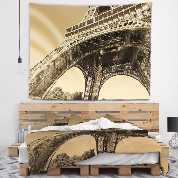 Designart 'Iconic Paris Paris Eiffel TowerSide View from Ground' Cityscape Wall Tapestry