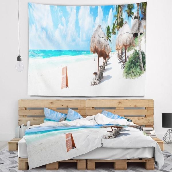Designart 'Caribbean Coast in Tulum Mexico' Modern Seascape Wall Tapestry