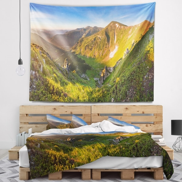 Designart 'Karpaty Highrise Mountains' Landscape Photo Wall Tapestry