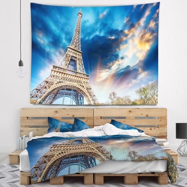 Designart 'Beautiful View of Paris Paris Eiffel Towerunder Fiery Sky' Cityscape Wall Tapestry
