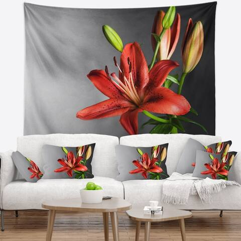 Designart 'Cute Red Lily Flower over Black' Flowers Wall Tapestrywork