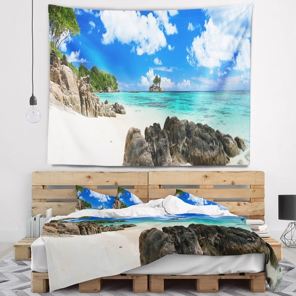 Designart 'Ideal Beach in Seychelles' Seascape Photography Wall Tapestry