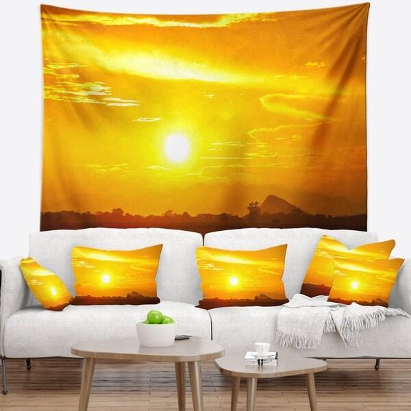 Designart 'Bright Yellow Sky At Sri Lanka Sunset' African Landscape Wall Tapestry