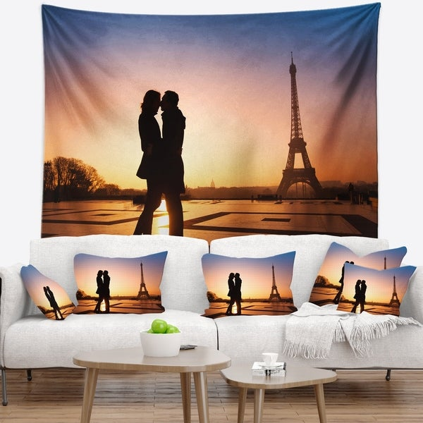 Designart 'Eiffel with Kissing Couple' Landscape Photo Wall Tapestry