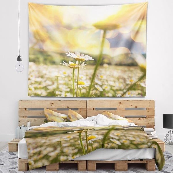 Designart 'Amazing Chamomile Flower Field' Floral Wall Tapestry