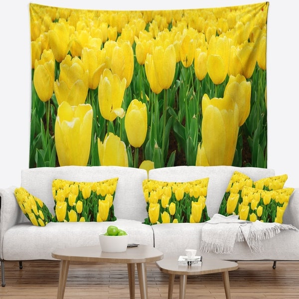 Designart 'Bright Tulip Flowers in Garden' Floral Wall Tapestry