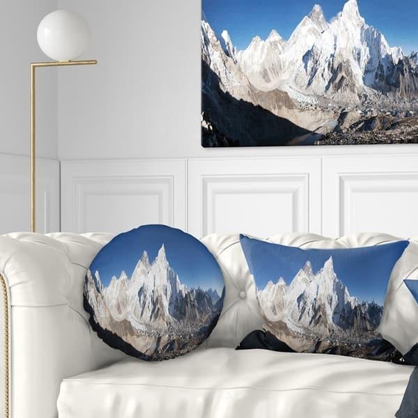 Designart Mount Everest Glacier Panorama Landscape Printed Throw Pillow On Sale Overstock 20944577