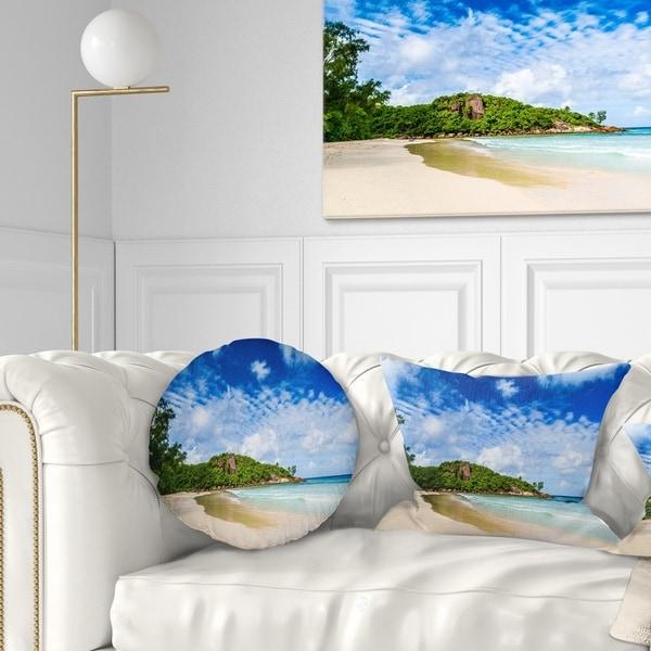 Designart 'Seychelles Tranquil Tropical Beach' Modern Seascape Throw Pillow