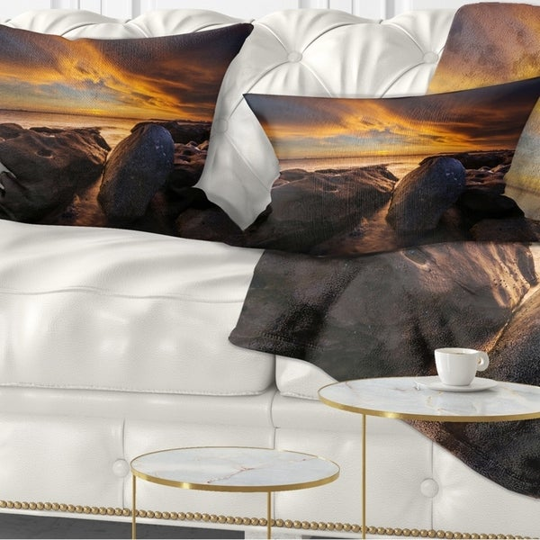 Designart 'La Perhouse Beach Sydney' Seascape Throw Pillow