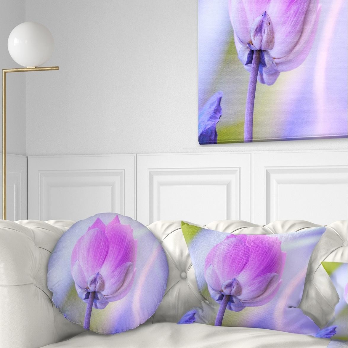 Designart Large Single Lotus Flower Floral Throw Pillow On Sale Overstock 20950288