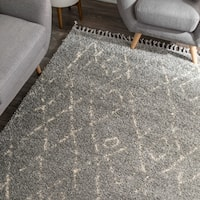 """nuLOOM Silver Abstract Soft and Plush Moroccan Diamond Shag Tassel Area Rug - 7' 10"""" x 10'"""