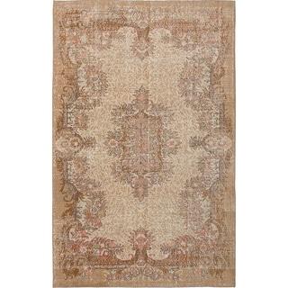 eCarpetGallery  Hand-knotted Antalya Vintage Cream Wool Rug (6'4 x 10'1) - 6'4 x 10'1