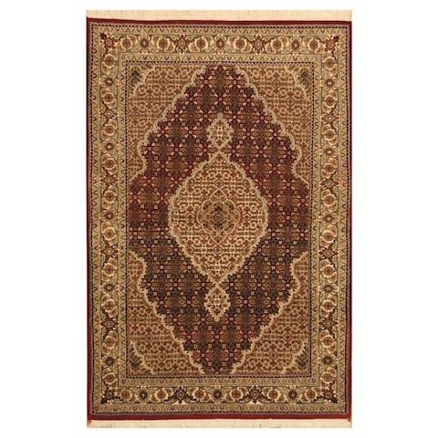 Handmade One-of-a-Kind Tabriz Wool and Silk Rug (India) - 4' x 6'