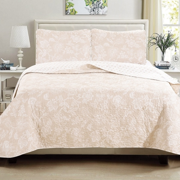 Emma Collection 3-Piece Reversible Floral Printed Quilt Set with Shams