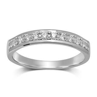 Unending Love 14K White Gold 1/4 ctw Diamond (I-J Color, I1-I2 Clarity) Wedding Band