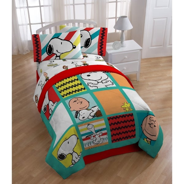Peanuts Best Friends Reversible Oversized Twin Comforter