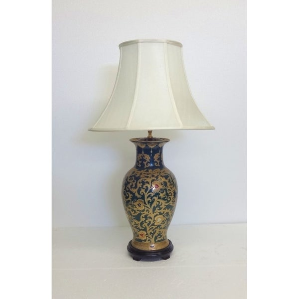 Green and Gold Scrolls Fishtail Porcelain Vase Table Lamp
