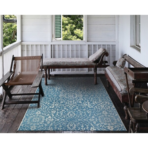 Shop Carriage House Medallion Blue Ivory Indoor Outdoor