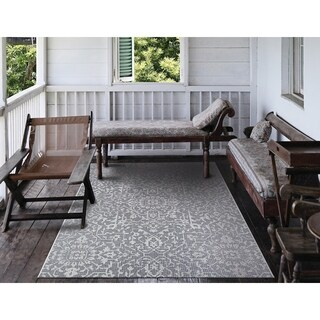 Carriage House Medallion/Gray-Ivory Indoor/Outdoor Area Rug - 8'6 x 13'