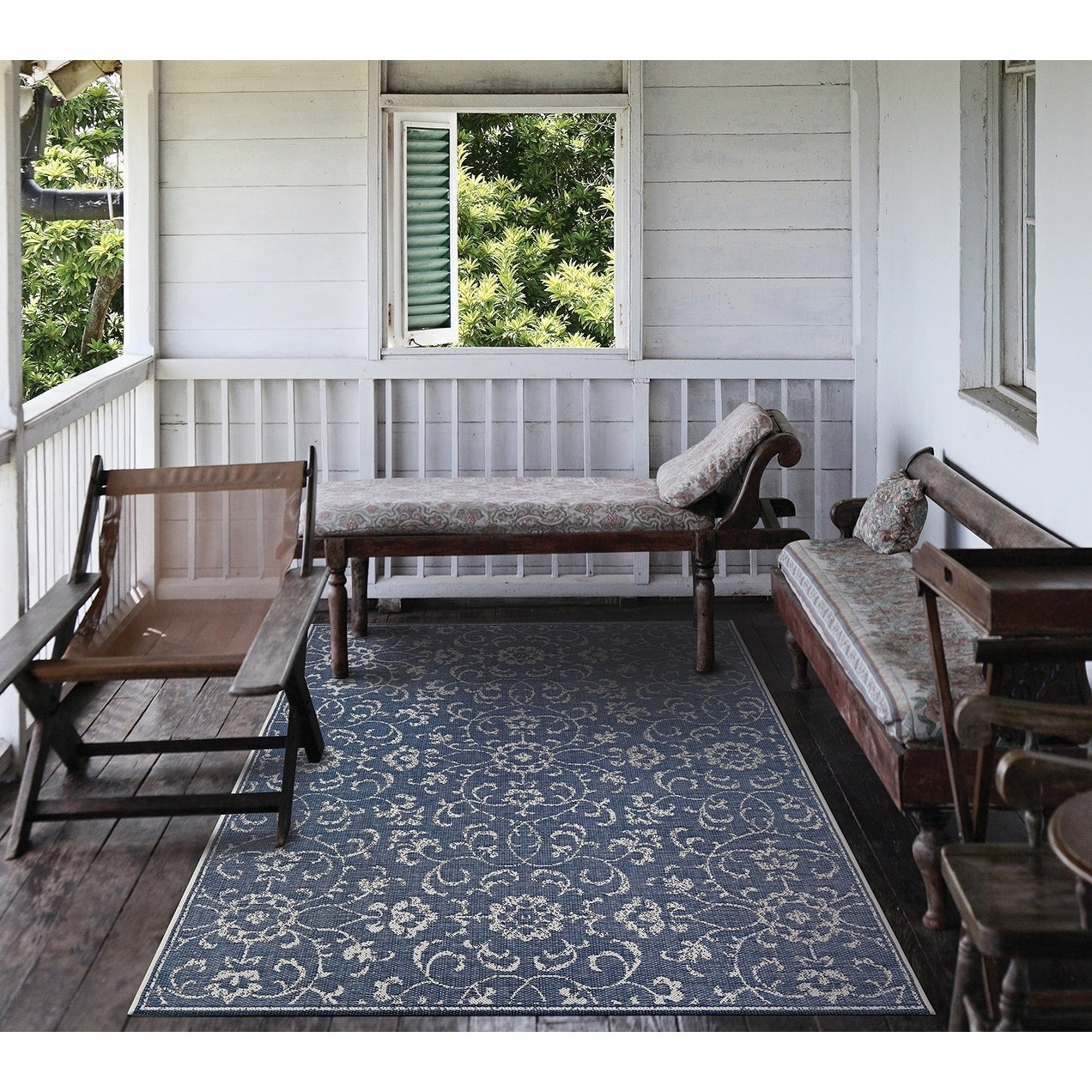 Carriage House Morning Glory Navy-Ivory Indoor/Outdoor Area Rug - 2 x 37 (2 x 37 - Navy/Ivory)