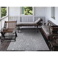 Carriage House Medallion/Gray-Ivory Indoor/Outdoor Area Rug - 5'10 x 9'2