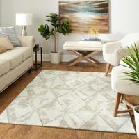 Palm Canyon Pavilion Trilateral Area Rug - 8' x 10'