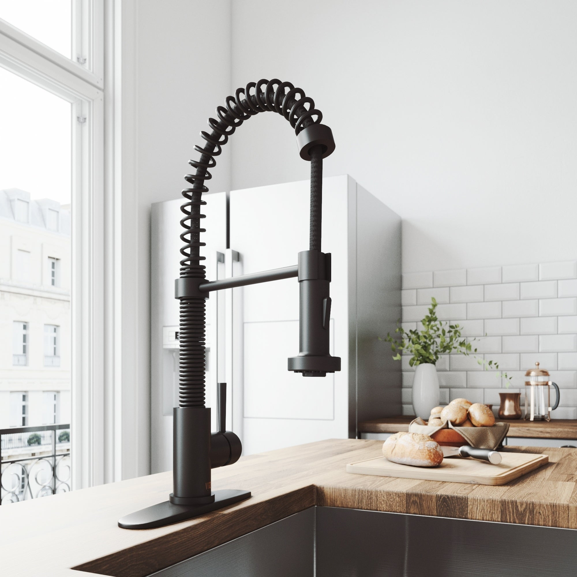 Vigo Edison Matte Black Pull Down Spray Kitchen Faucet With Deck Plate Overstock 21030379