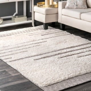 nuLOOM Ivory Moroccan Abstract Wool/Cotton Stripe Shag Area Rug - 4' x 6'