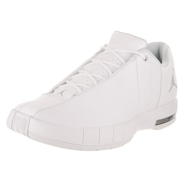 reputable site 687a7 0dec1 Nike Jordan Men  x27 s Jordan TE 2 Low Basketball Shoe