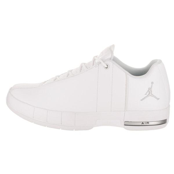 Jordan TE 2 Low Basketball Shoe