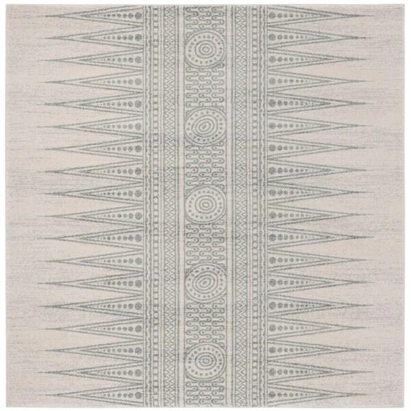 Safavieh Evoke Vintage Ivory / Silver Rug (6'7' Square)