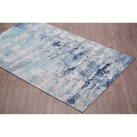 Vestige Handmade Chenille Cotton Abstract Blue Rug - 2' x 3'