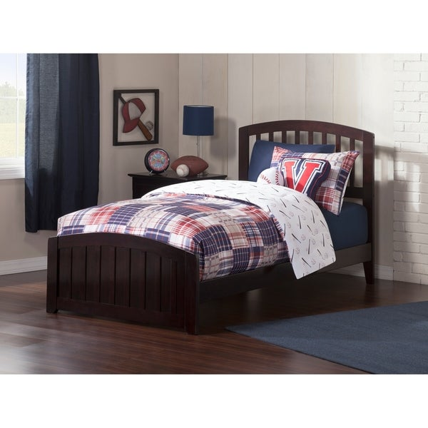 Richmond Twin Traditional Bed with Matching Foot Board in Espresso