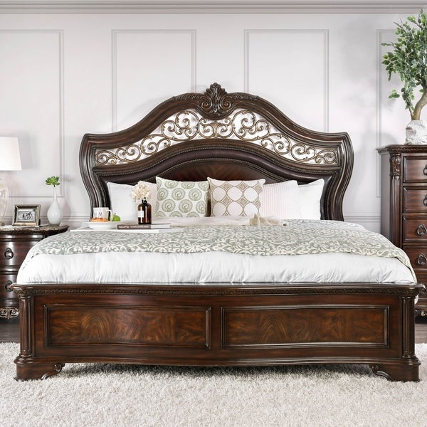 Furniture of America Pune Traditional Brown Wood Carved Panel Bed