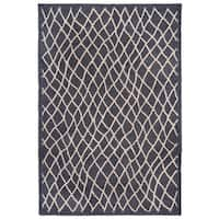 Liora Manne Wavey Lines Grey/Charcoal Handmade Outdoor Area Rug (8'3 x 11'6)