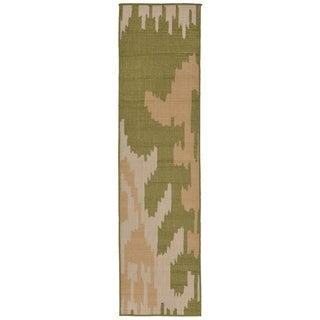 Liora Manne Tribal Outdoor Rug (1'11 x 7'6) - 1'11 x 7'6