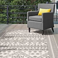 "nuLOOM Ivory Indoor/Outdoor Tribal Inspired Floral Diamonds Area Rug - 8'6"" x 13'"