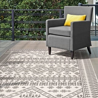 nuLOOM Ivory Indoor/Outdoor Tribal Inspired Floral Diamonds Area Rug - 8' 6 x 13'