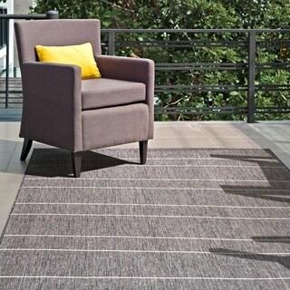"""nuLOOM Grey Indoor/Outdoor Venetian Pinstripes Area Rug - 7' 6"""" x 10' 9"""""""