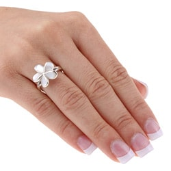 Journee Collection  Sterling Silver Mother of Pearl Flower Ring - Thumbnail 2