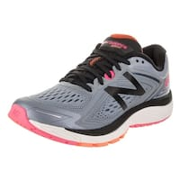 New Balance Women's 860v8 Running Shoe