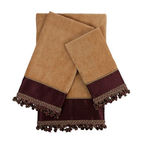 Sherry Kline Altadore Magenta 3-piece Decorative Embellished Towel Set