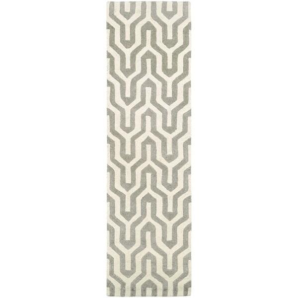 """Hand-Crafted Barlow Wishingbone White/Gray Runner Rug - 2'2"""" x 7'9"""" Runner"""
