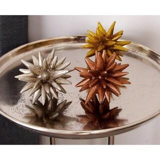 Carson Carrington Alavus Metallic Table Decor (Pack of 3)